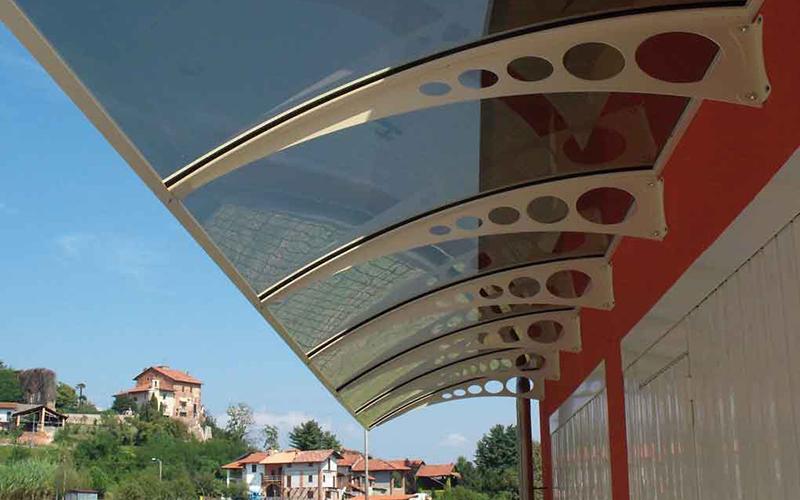 pensiline in vetro pensiline in plastica pensiline in ferro battuto pensiline in cristallo riparare la porta dall'acqua